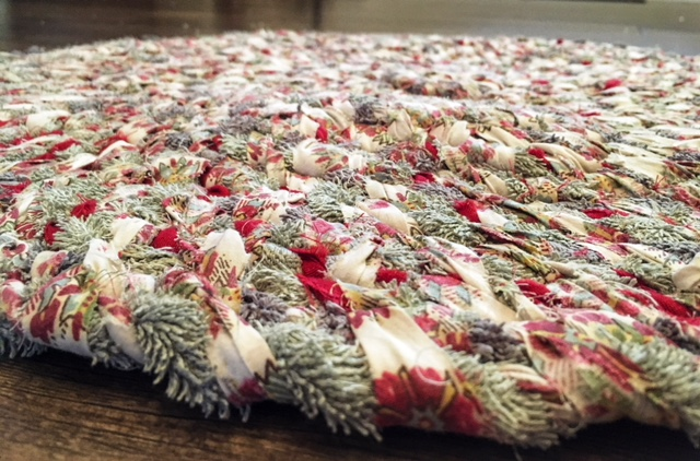 DIY No Sew Rug Tutorial - Leaning into